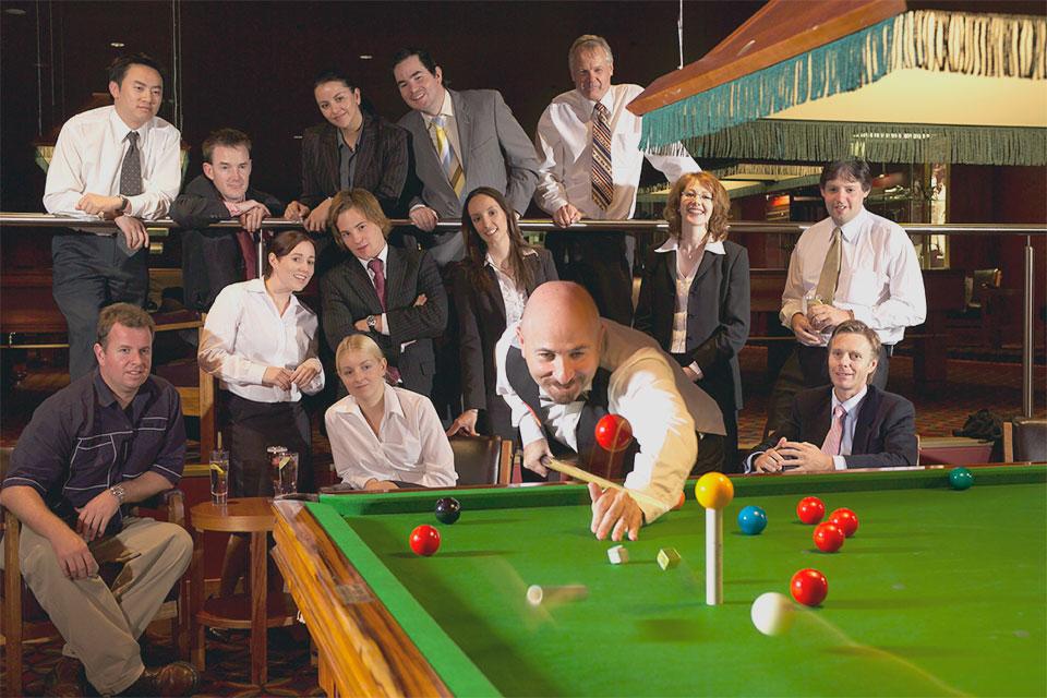 Foldvari-Corporate-Entertainment-Trick-Shot